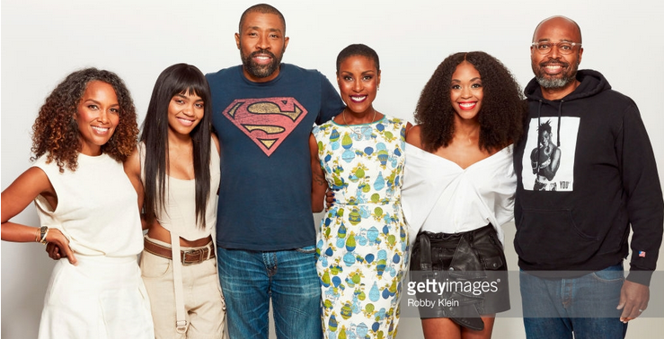Mara Akil (far left)