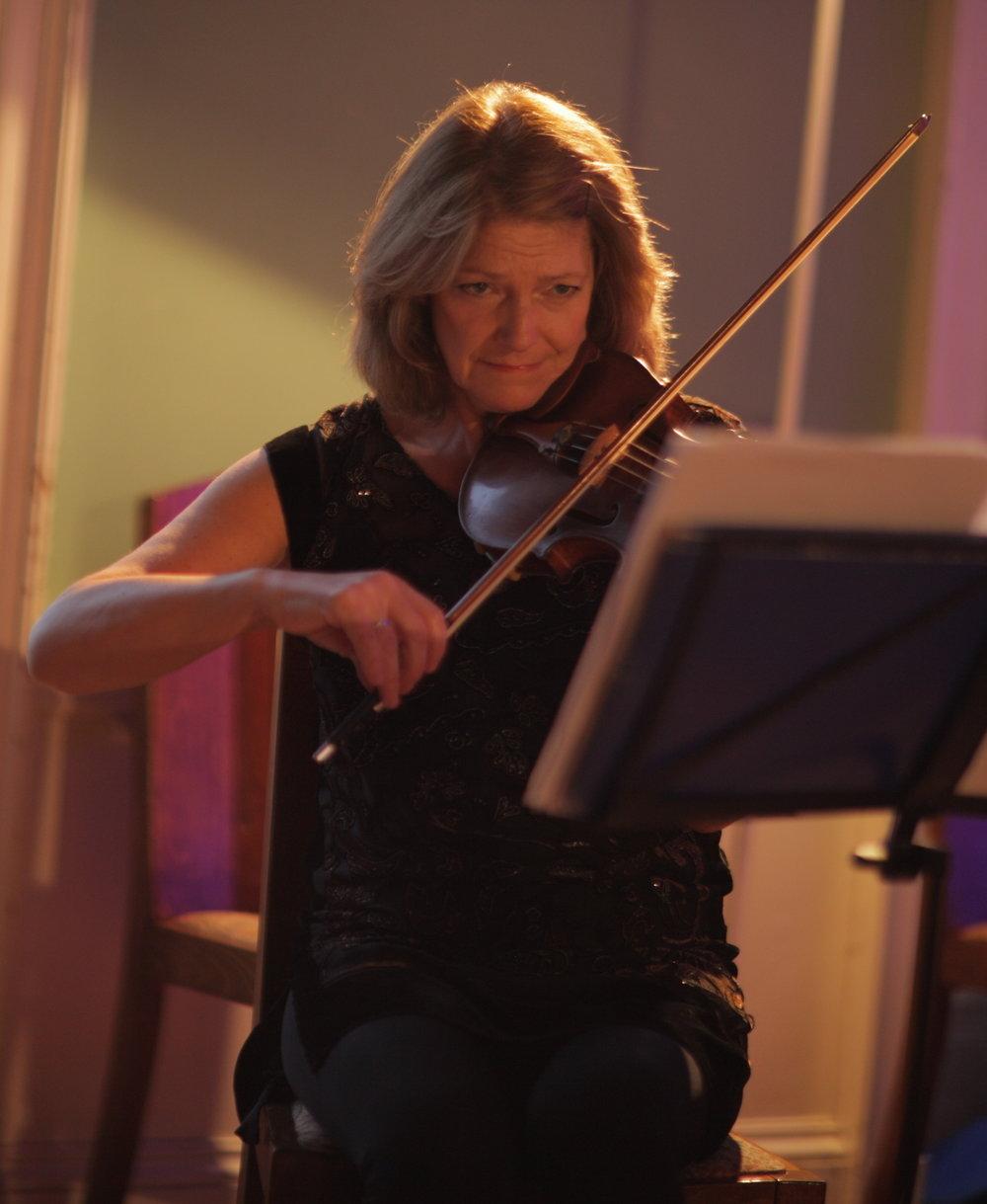 Rita Manning, violin profile.JPG