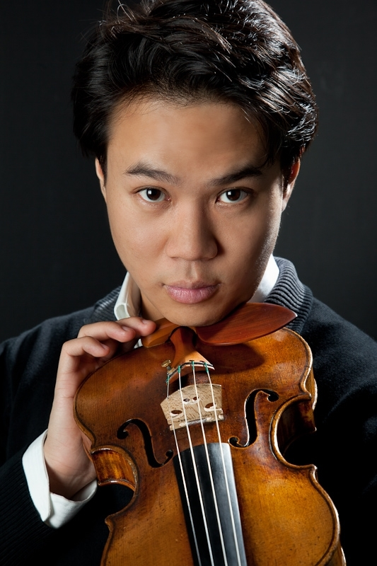 Nikki Chooi (Violin)