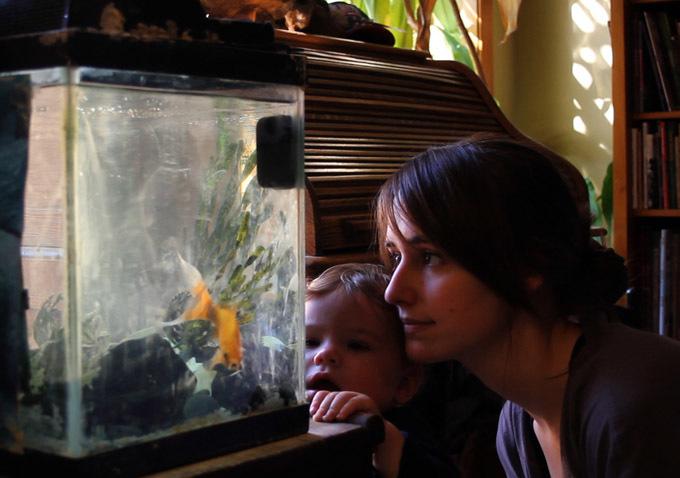 Joslyn Jensen babysitting in Bridges.