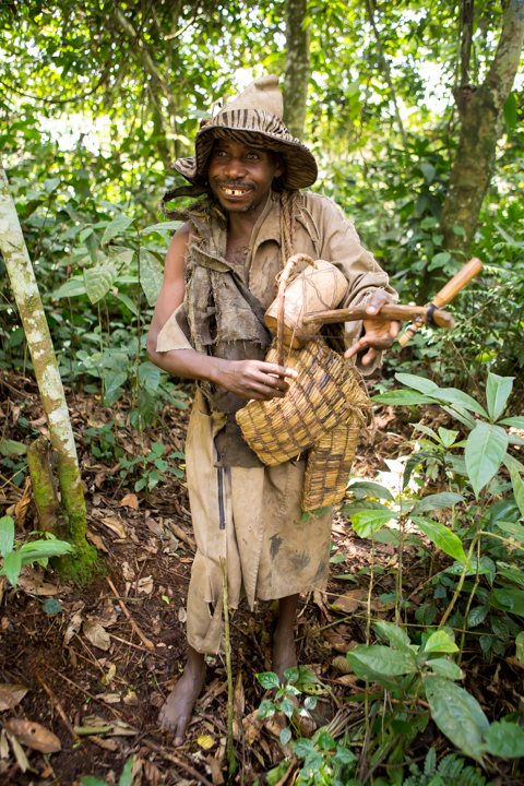 professional-photography, orlando-travel-photographer, uganda, the-people-of-uganda, pygmies, medicine-man, bwindi-national-park, www.dynamitestudioinc.com-44.jpg