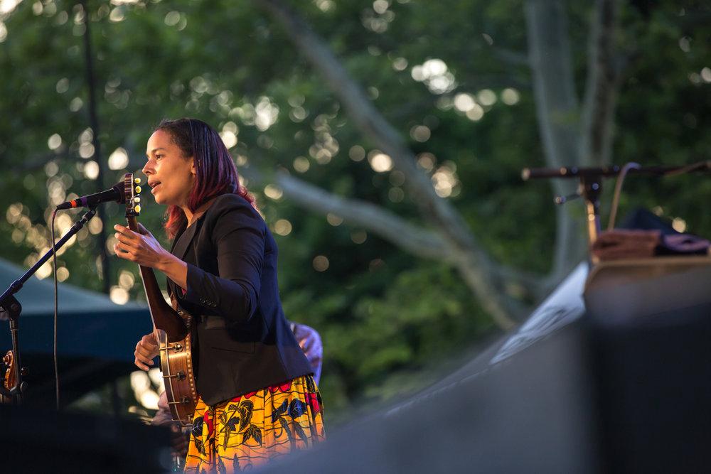 www.dynamitestudioinc.com-rhiannon-gibbons-sonny-little-new-york-central-park-concert-27.jpg