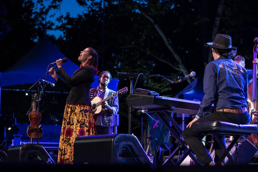 www.dynamitestudioinc.com-rhiannon-gibbons-sonny-little-new-york-central-park-concert-39.jpg