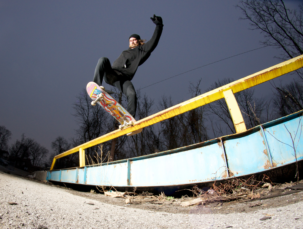 Jason Hunt: Frontside Bluntslide transfer  knoxville, tennessee  Photography: Christopher Gleason