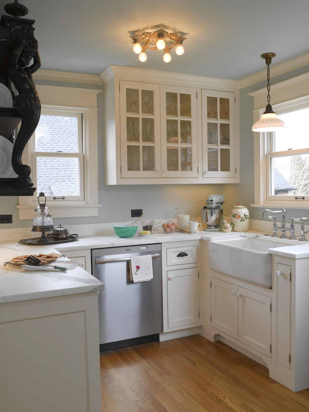 Cottage kitchen lighting - French Victorian