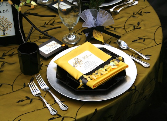 16-0911-mi-placesetting.jpg