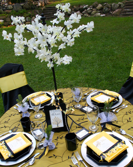 12-0911-mi-main-tablescape.jpg