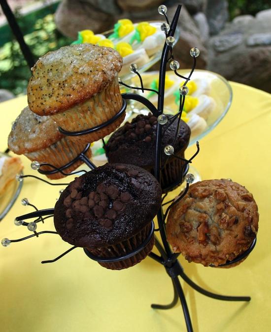 17-0911-mi-cupcake-holder.jpg