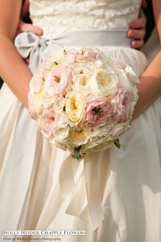 spring wedding flowers ideas for bouquets and floral arrangements - White Garden Rose Bouquet
