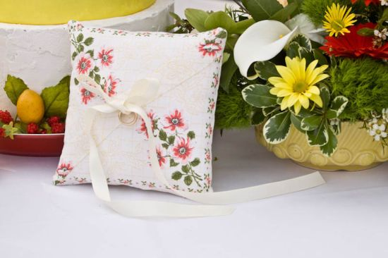 8-ps-bwb-051611-ring-pillow.jpg