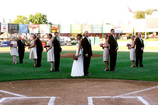 Real Wedding : marrying on home plate of a baseball stadium