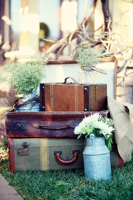 A Vintage Glam - Rustic Chic Wedding : Inspirational Photo Shoot