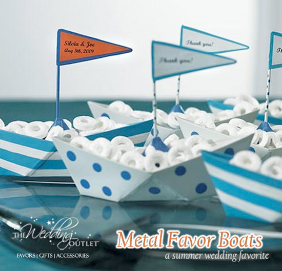 Friday Favor of the Day : metal boats for your nautical wedding