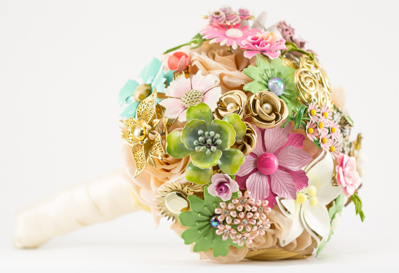 vintage brooch bouquet by The Ritzy Rose