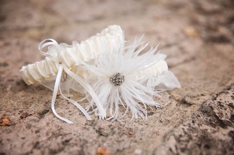 052413-white-bridal-garter.jpg