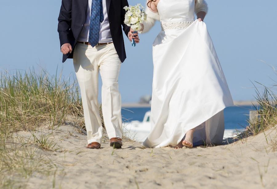 An intimate cape cod wedding in chatham ma brenda 39 s for Beach wedding dress code