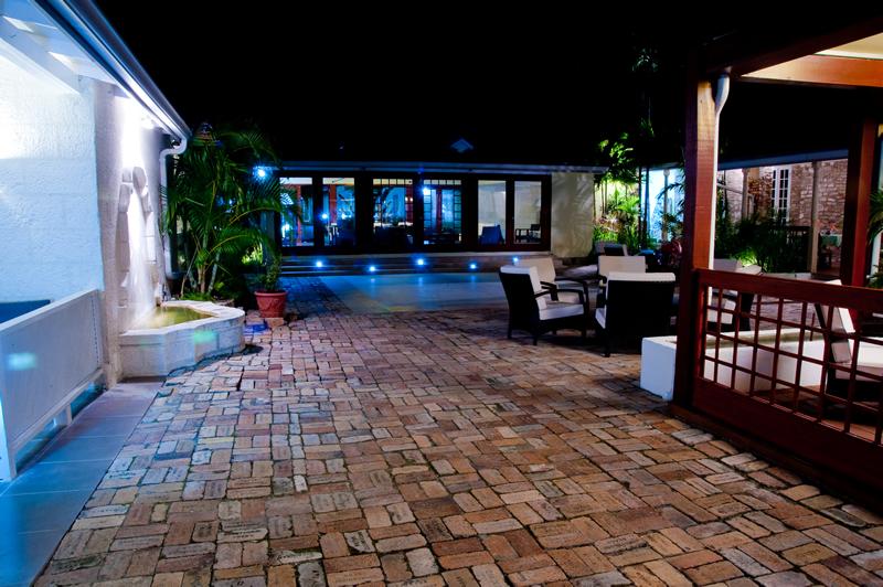 island inn hotel.jpg