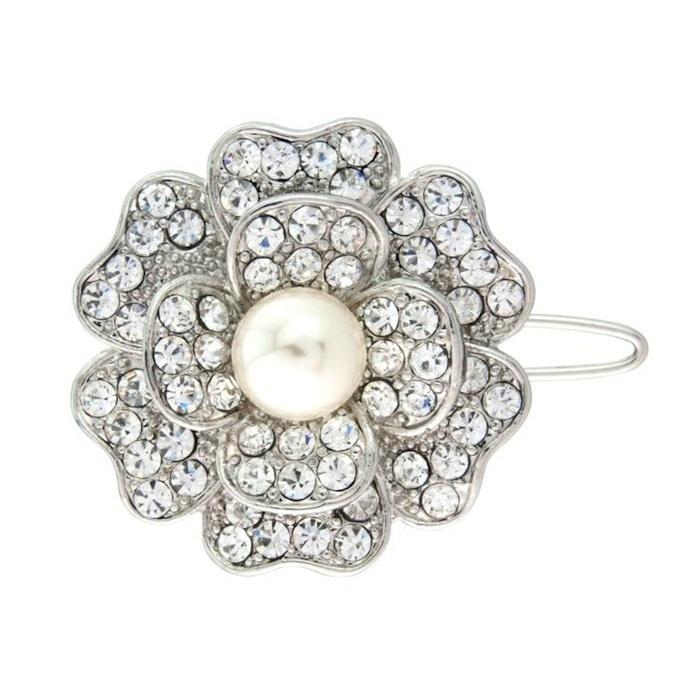 glitzy flower hair clip: www.vintagestyler.co.uk @StyleMeVS