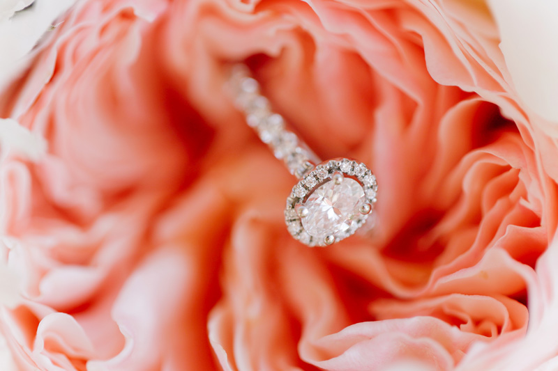 super pretty #engagement #ring | photo by  www.annabellacharles.com