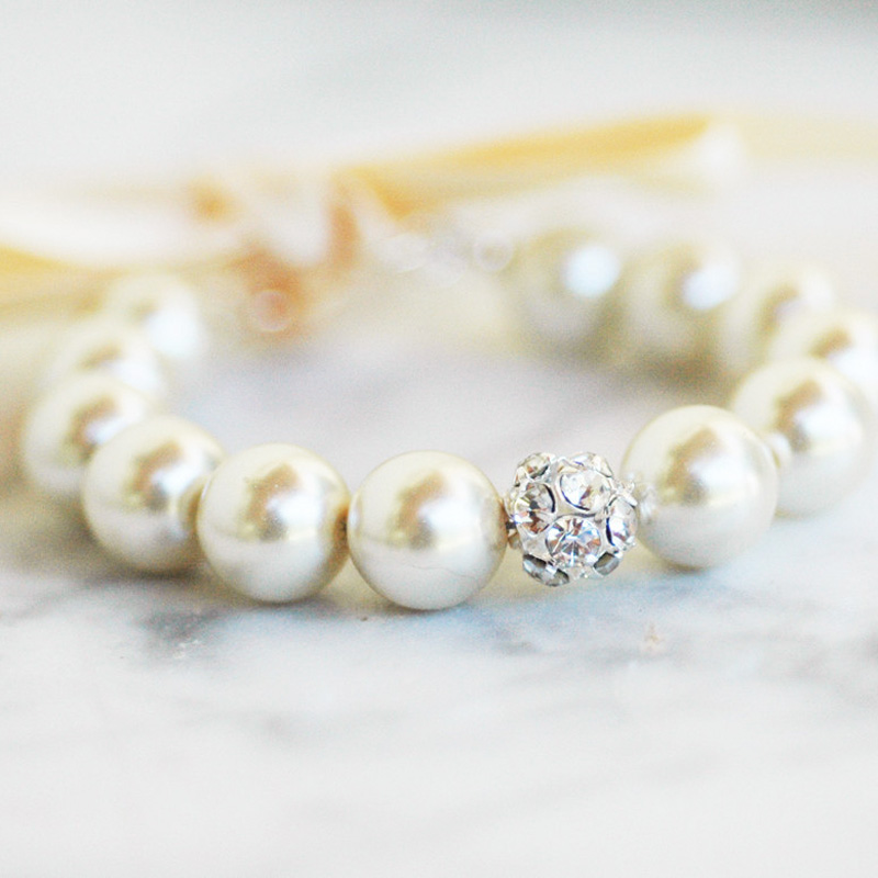 800w-white-tulip-boutique-beaded-bracelet.jpg