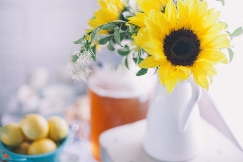 pretty sunflowers for a vintage brunch bridal shower