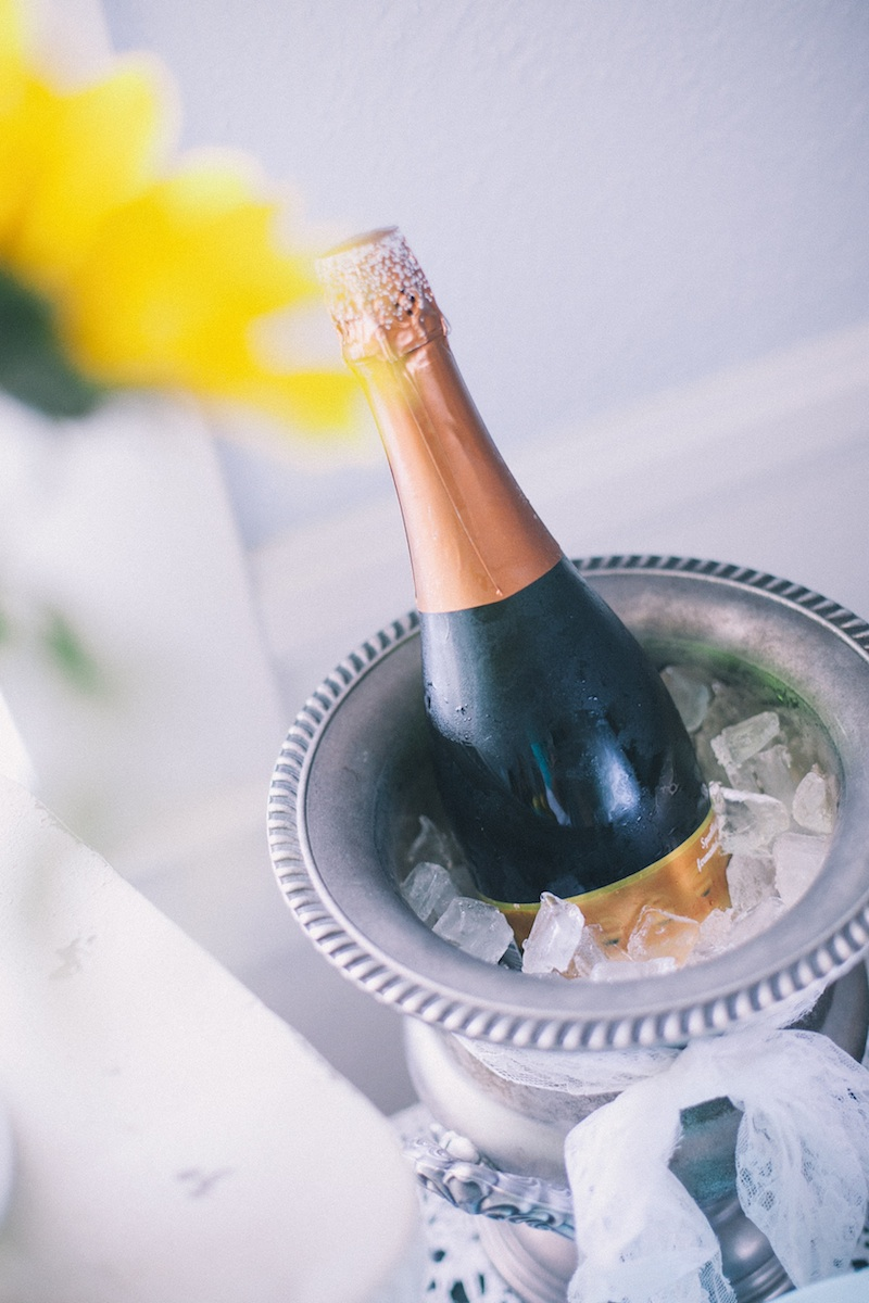 vintage-wedding-bridal-brunch-champagne-101513.jpg