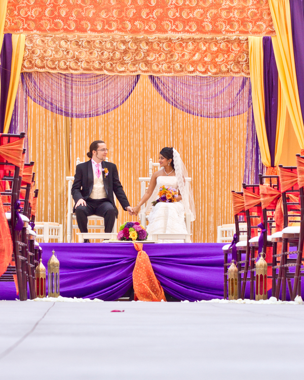 Moroccan themed wedding decor | photo by Dreamcicle Studios #altar #indian #fusion