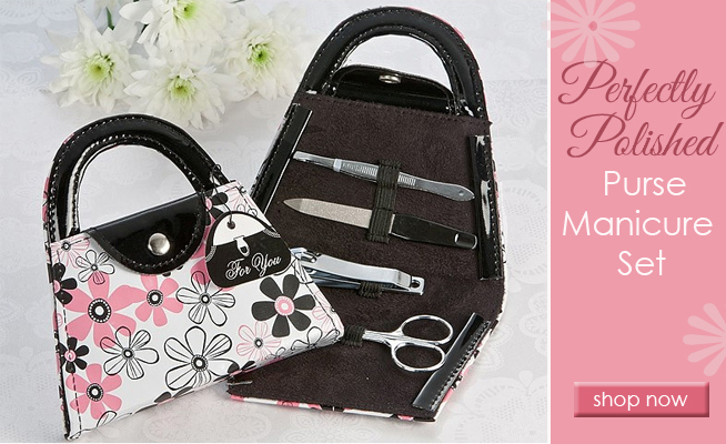 Purse Manicure Set : a fun keepsake for bridal shower guests #weddingfavors #bridalshowers
