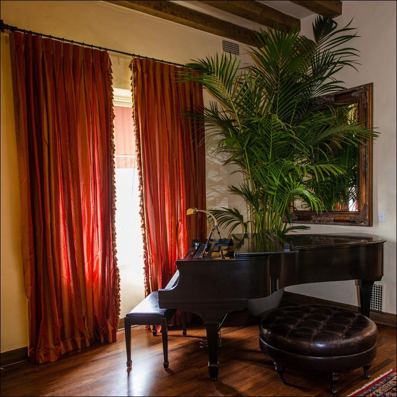 riviera-mansion-listing-800w-4.jpg