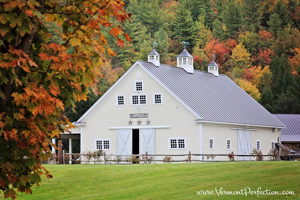 The White Barn Lodging at Riverside Farm in #Vermont - #destinationweddings #barnweddings