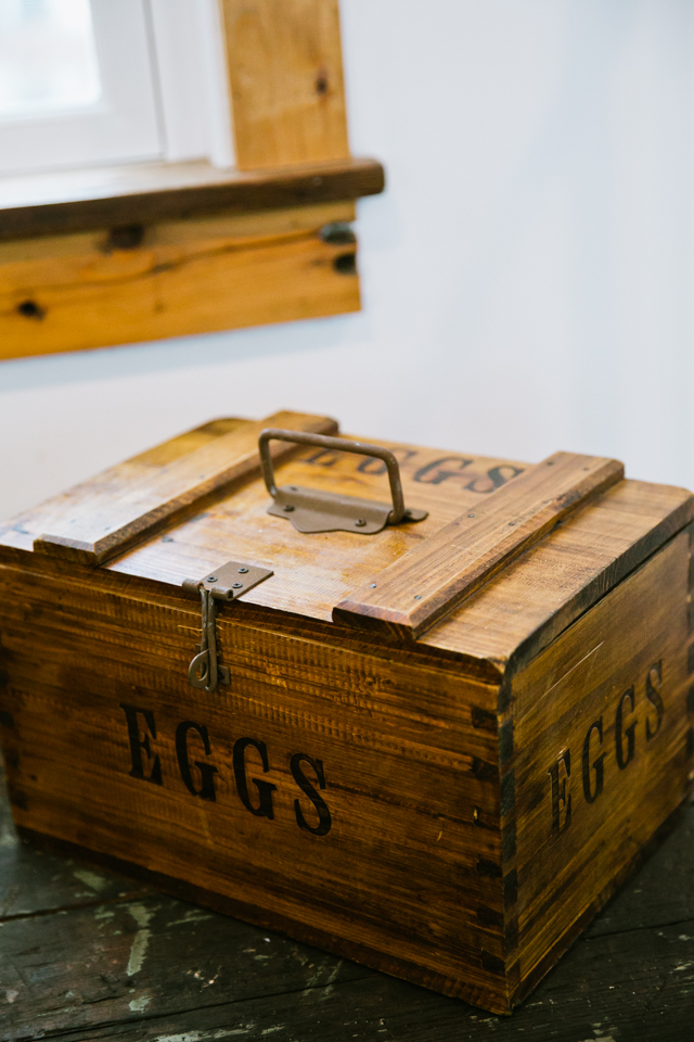 antique egg crate for decoration at Riverside Farm in Vermont for weddings - photo by Jasmine Lee Photography