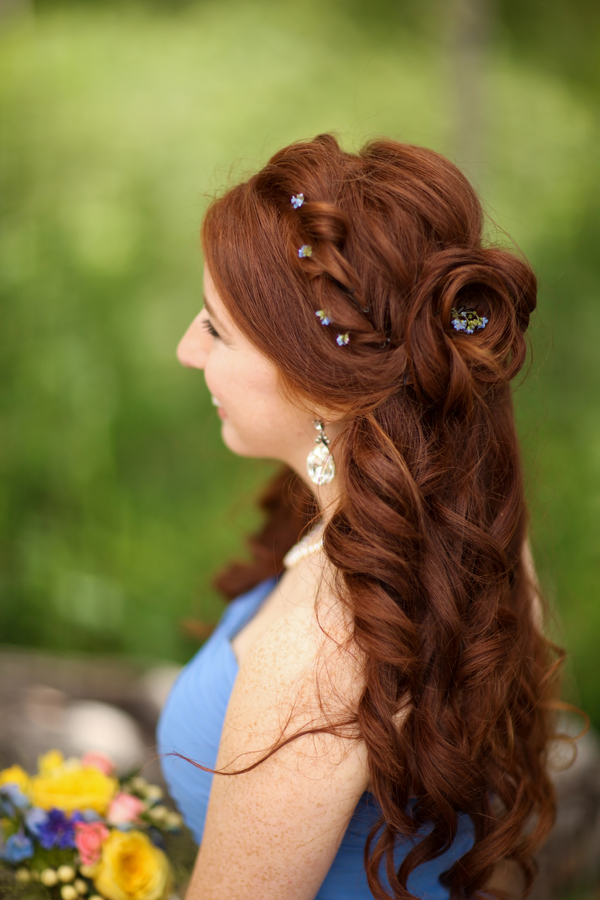 bridesmaids hairstyle for a blue and yellow Utah wedding | photo by Pepper Nix Photography #longhairstyle