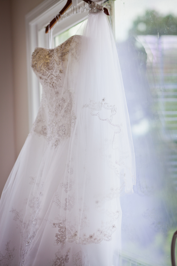 gorgeous beaded wedding dress | photo by Kate's Lens Photography