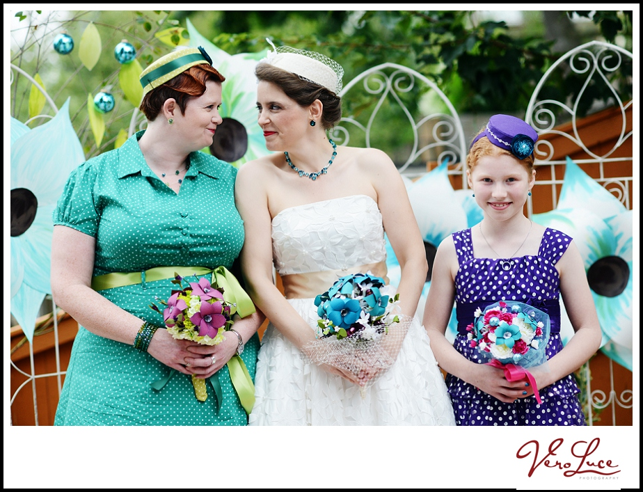 Bright and colorful generation wedding photo | by VeroLuce Photography www.verolucephotography.com