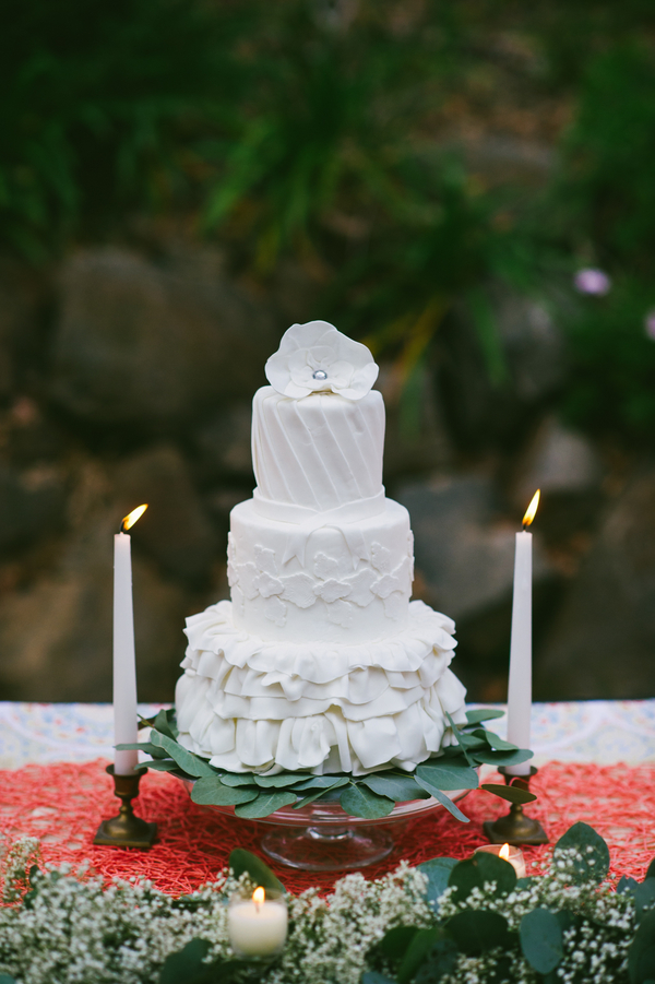 pretty white wedding cake | cake by Lovely's Sinfully Sweet Creations | photo by John DeFiora Photography