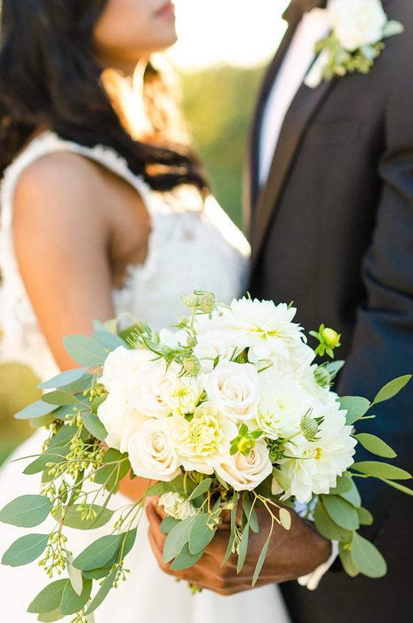 virginia-eight-tree-street-white-green-bouquet.jpg