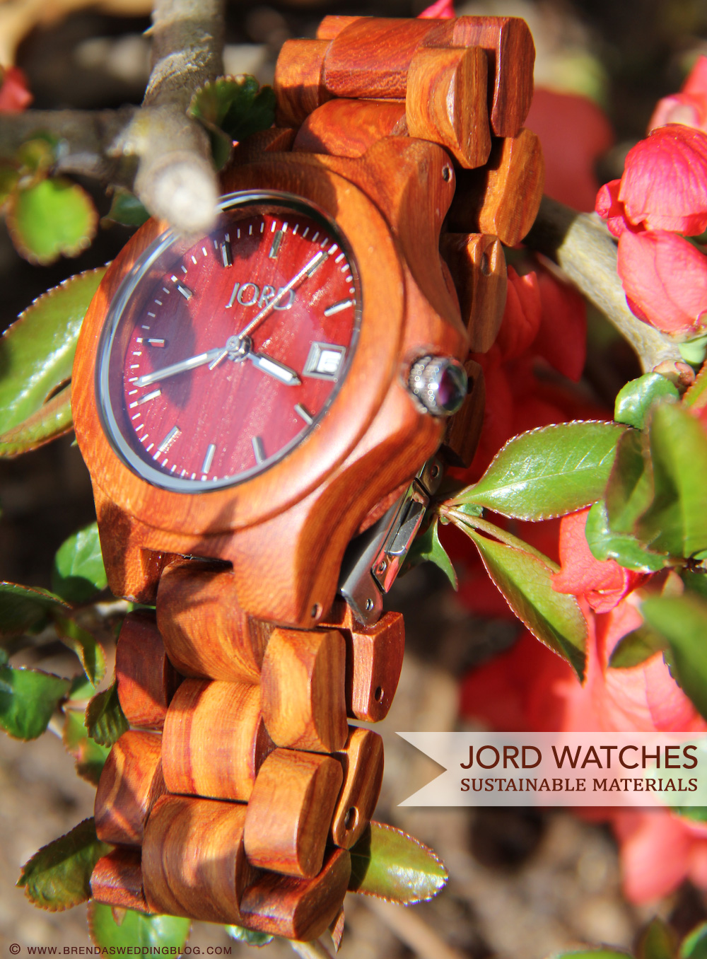 JORD Watches are hand-made with sustainable material {100% natural wood} - they make perfect wedding gifts. Maybe surprise your groom? | from www.brendasweddingblog.com