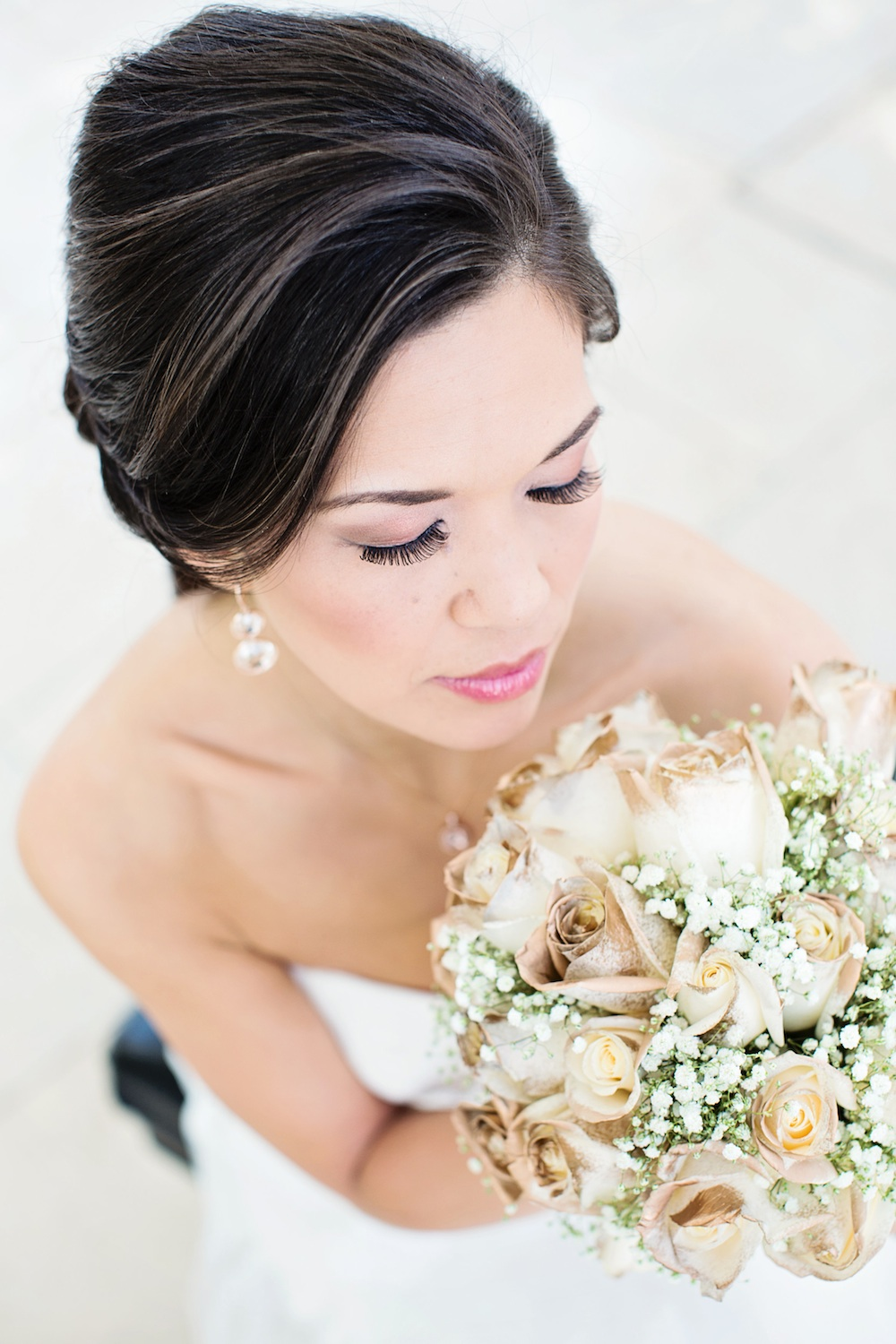 g-michael-salon-shoot-052914-gold-rose-bouquet.jpg