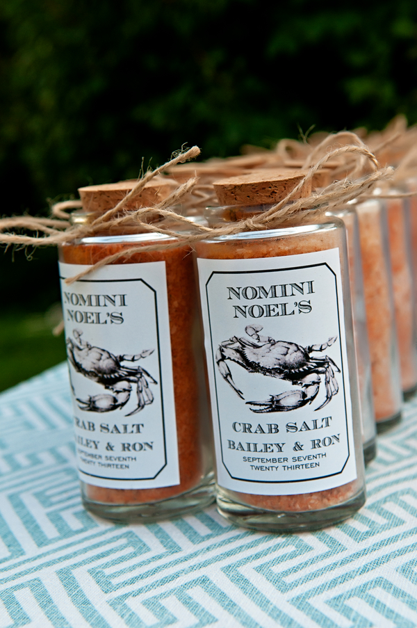 Wedding Favors of Crab Salt | photo by wwww.EverAfterVisuals.com as seen on www.brendasweddingblog.com