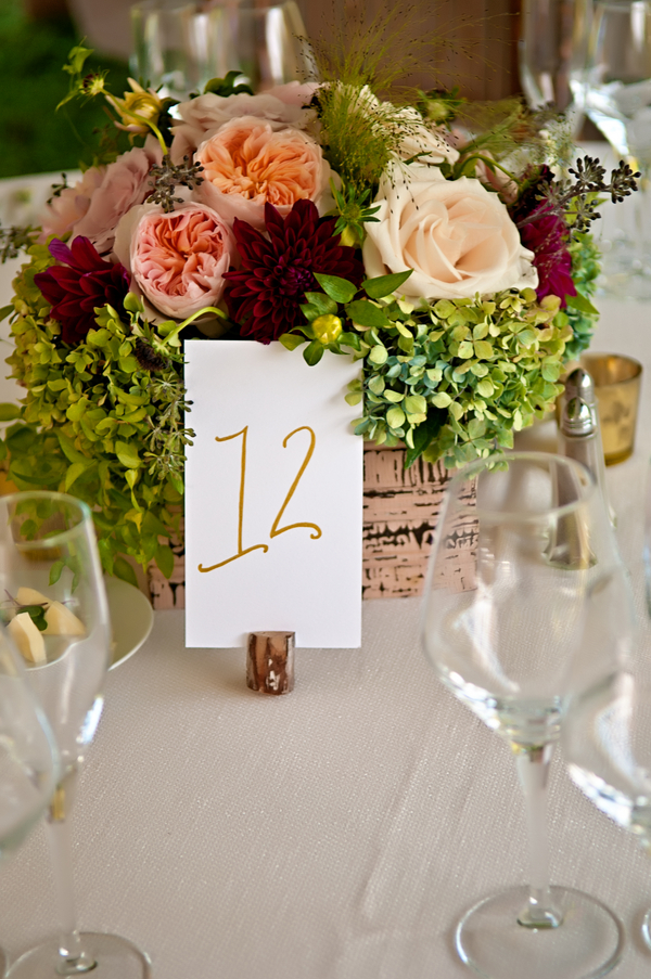 Super Pretty Wedding Floral Centerpiece | photo by wwww.EverAfterVisuals.com as seen on www.brendasweddingblog.com