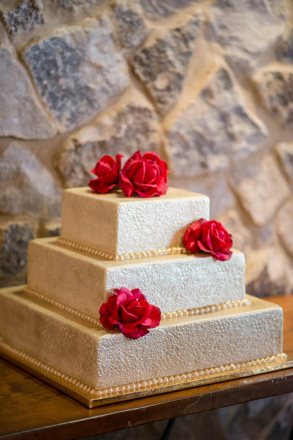 Stunning Gold Wedding Cake from a Hollywood Glam Styled Bridal Shoot | cake by Cut the Cake | photo by The Story Telling Experience