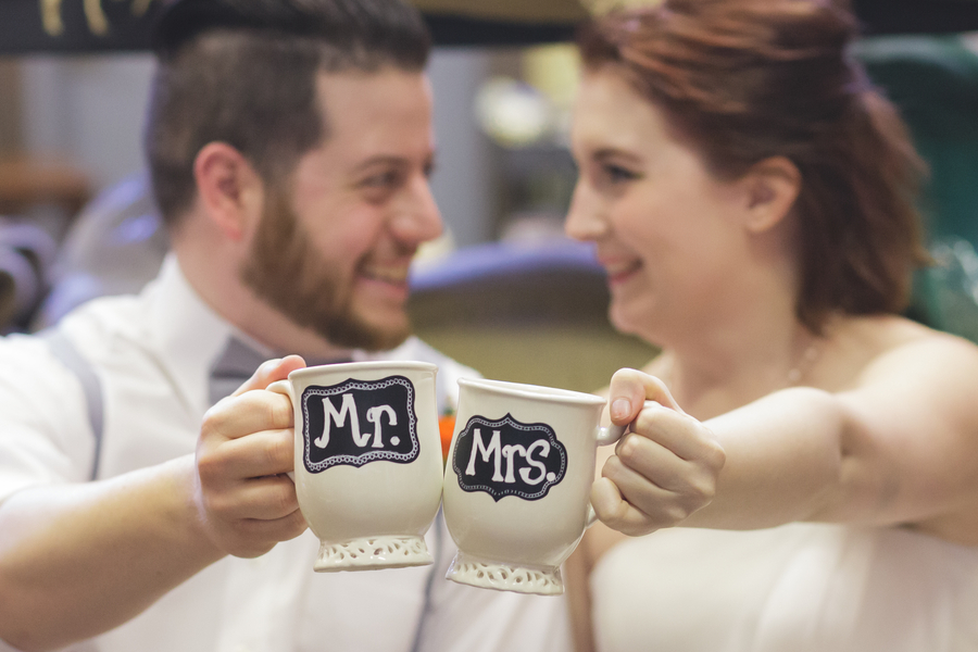 DIY Mr and Mrs Coffee Cups / Mugs | as seen on BrendasWeddingBlog.com