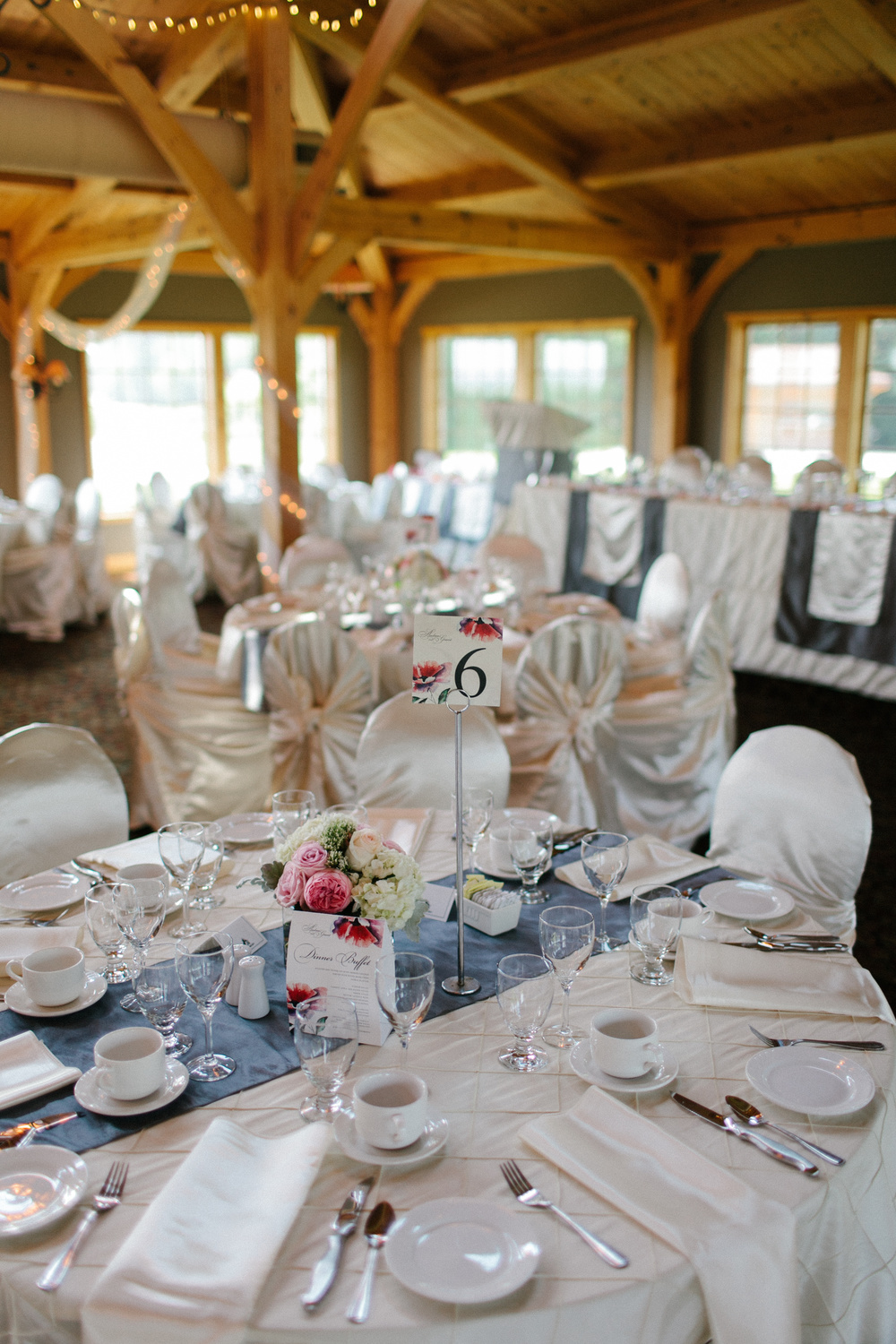 Elegant Table Setting for a Canadian Wedding | photo by blf Studios | wedding by Madeline's Weddings