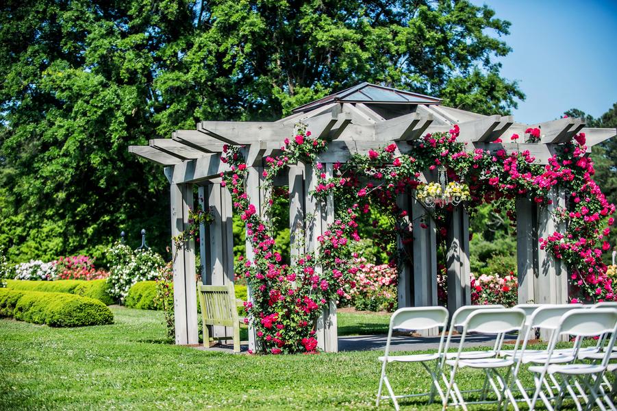Outdoor Wedding In A Virginia Botanical Garden With A
