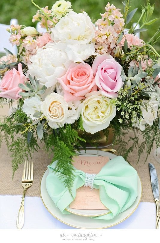 Pretty Pastel Wedding Centerpiece by Maribel of Eight Tree Street Floral Design | Tablescape Design by Events by Alex, LLC | Menu by Allison Hopperstad Photography | Photo by Ali Mclaughlin Photography