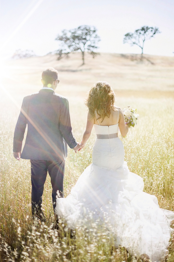 Bride and Groom Portrait in Sunny Field | Photo by William Innes Photography | via www.brendasweddingblog.com