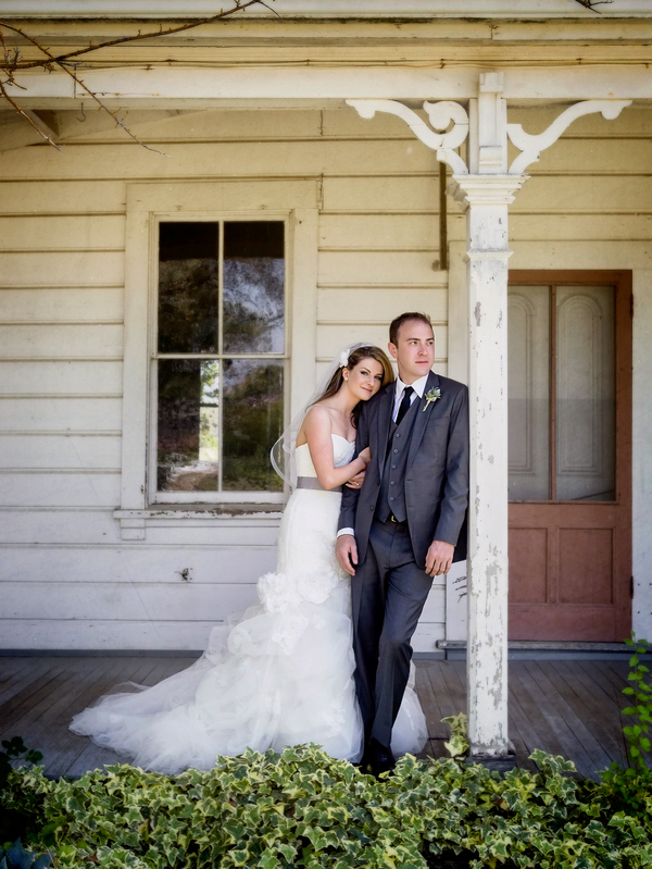 Bride and Groom Portrait in California | Photo by William Innes Photography | via www.brendasweddingblog.com