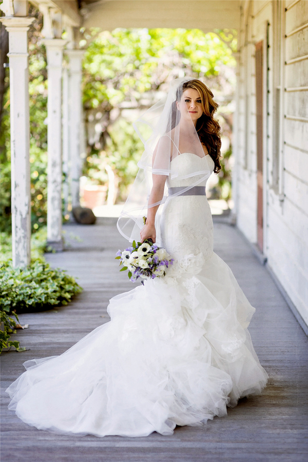 Gorgeous Bride in her Tulle Wedding Gown | Photo by William Innes Photography | via www.brendasweddingblog.com