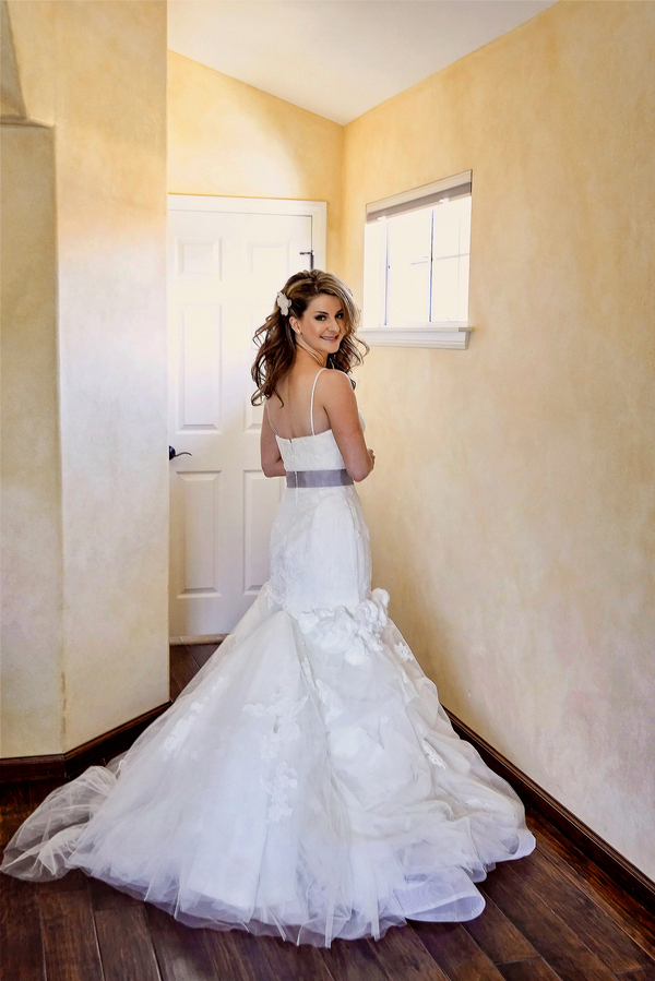 Gorgeous Bride at her Rustic Wedding in California   Photo by William Innes Photography   via www.brendasweddingblog.com