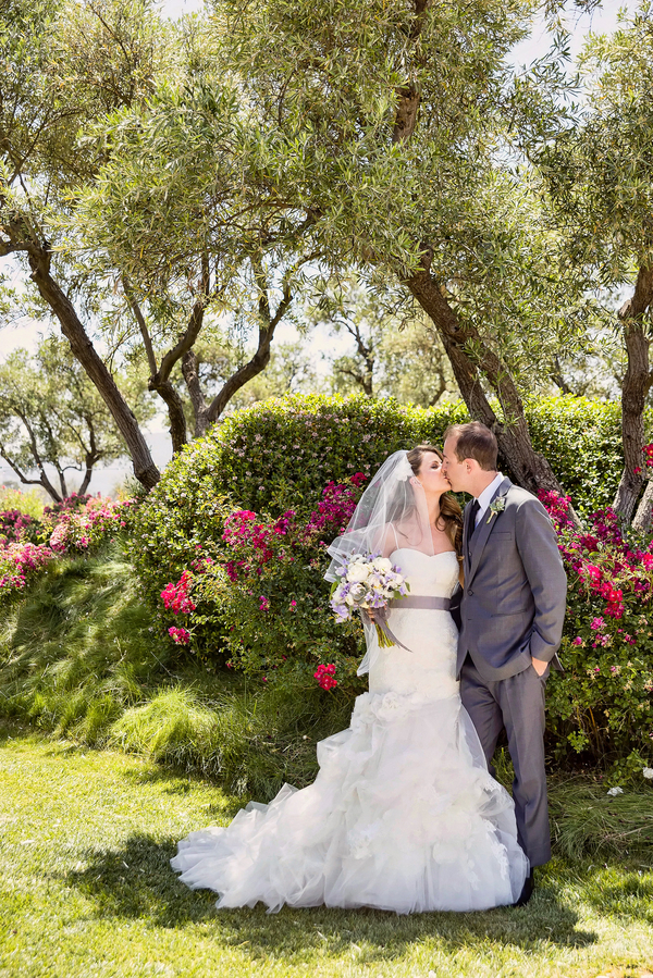 Beautiful Floral Garden for a Rustic Wedding | Photo by William Innes Photography | via www.brendasweddingblog.com